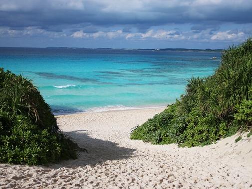 空と海と砂浜の三重奏