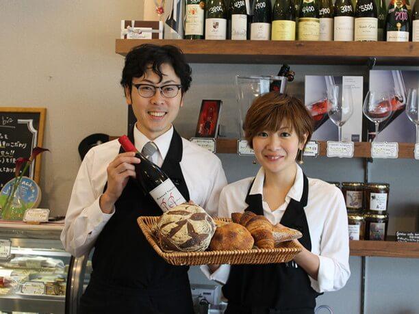 モンマルトル ビスのパンとスタッフ