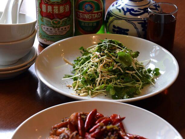細切り押し豆腐と香菜(パクチー)の山椒オイルのサラダ