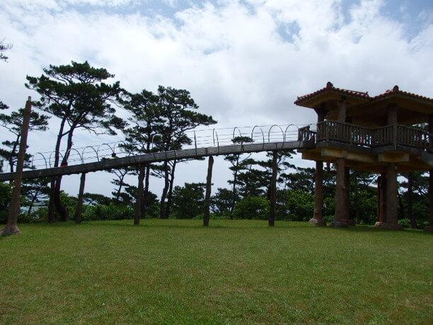 だるま山園地のローラーすべり台