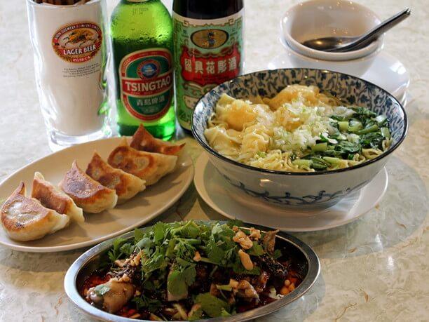 人気料理8品と飲み放題付きのスワロープラン