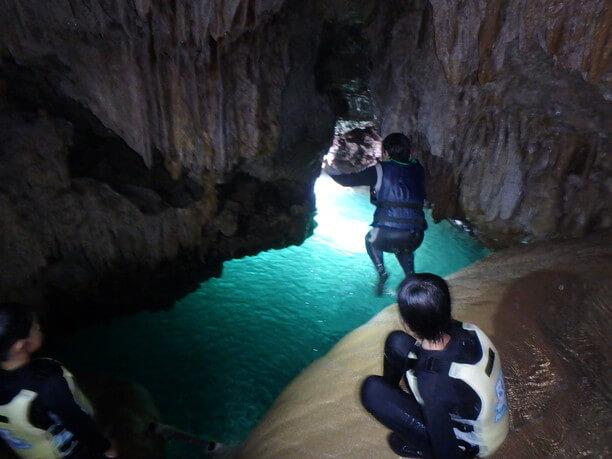 宮古島海宝館の鍾乳洞体験、マリン体験