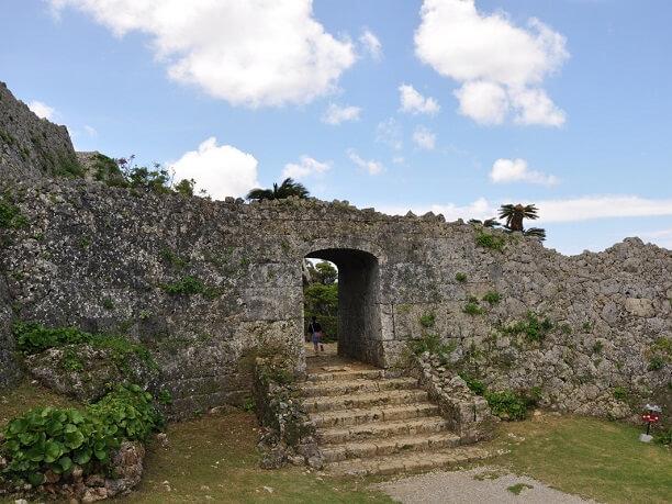 アーチの門
