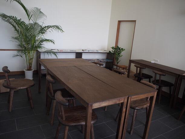 広いテーブル