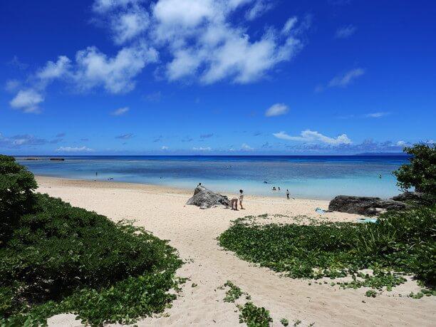 お昼前後の海