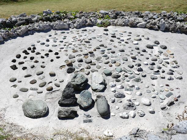 石積みの小道