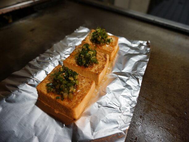 しま豆腐のステーキ