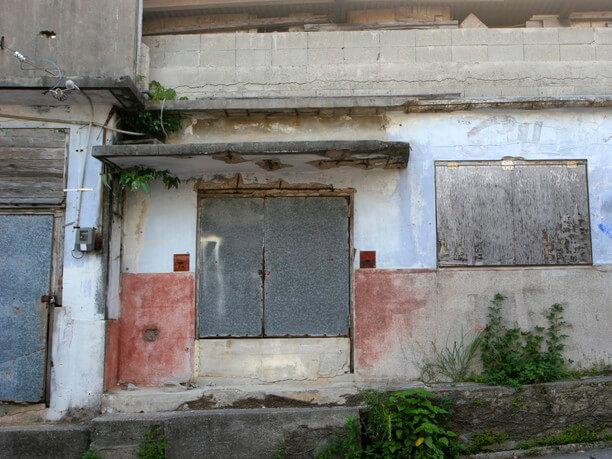 遭遇すると50年代へタイムスリップしたような錯覚に陥る建物