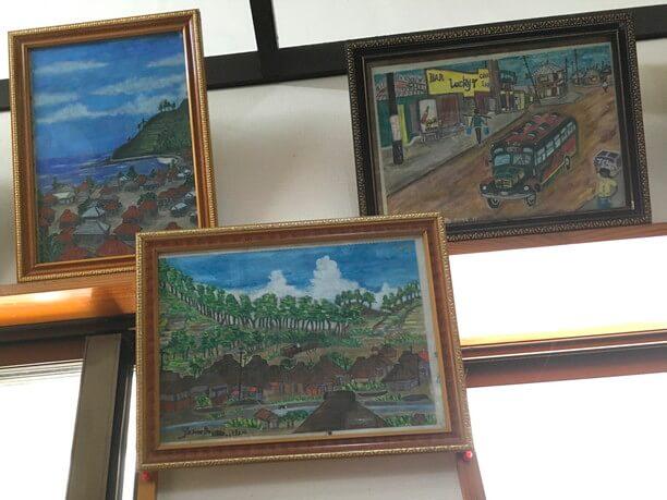 70年代の琉米文化を反映したコザの街の絵