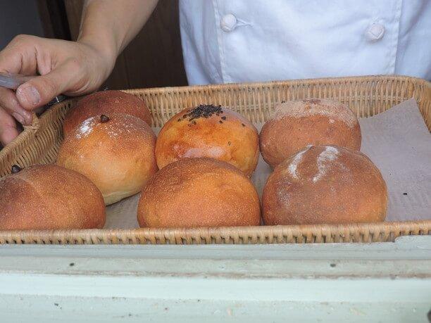 シンプルなまるいパン
