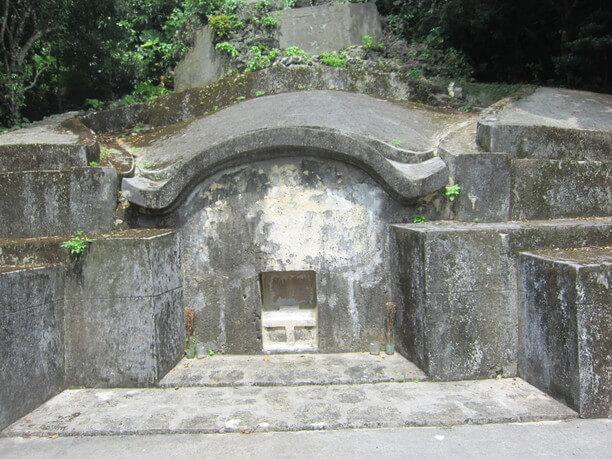 日露戦争のころに出来たお墓