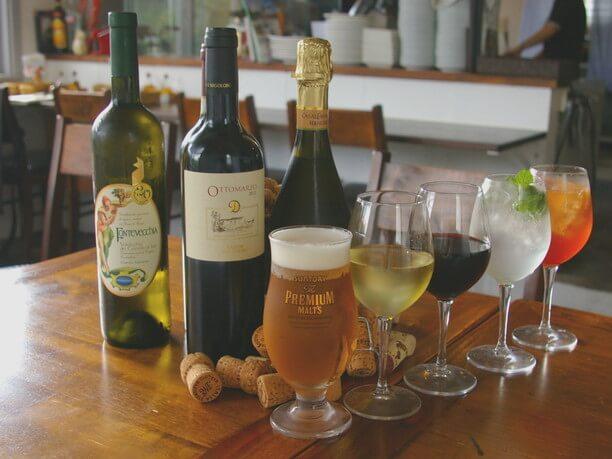 飲み放題のビールやワイン