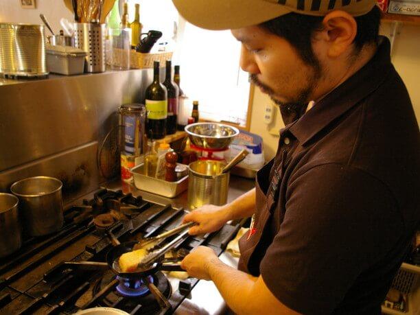 調理中の安室さん