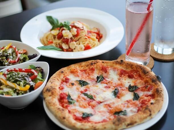 ピザとパスタ