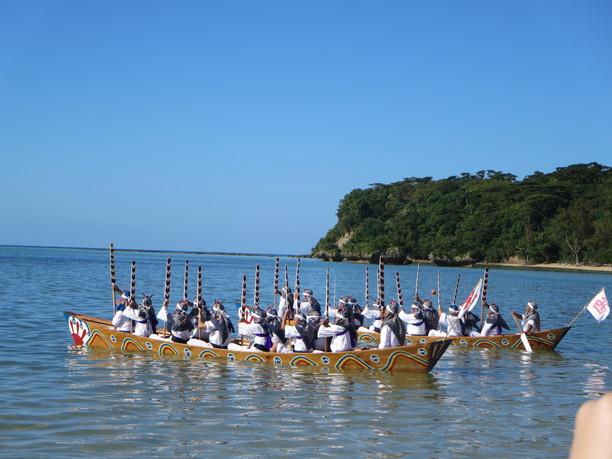 神事の舟漕ぎ(ウガンパーリャ)
