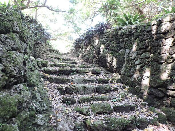 小さな階段