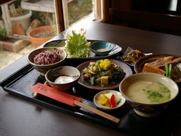 琉球料理ぬちがふぅのランチ