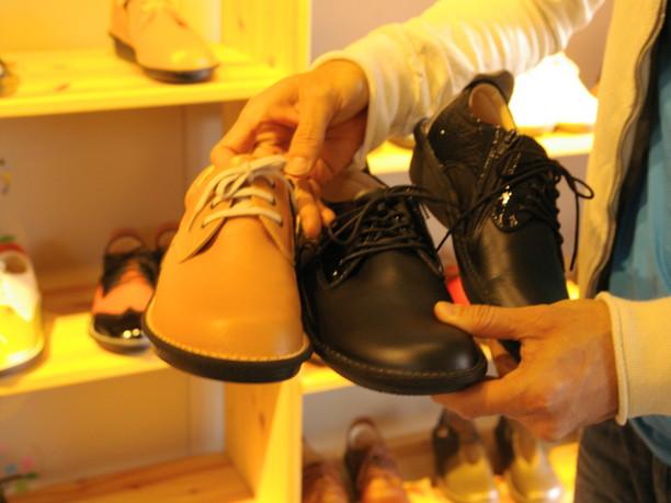 サンプルとして出してきてくれた靴