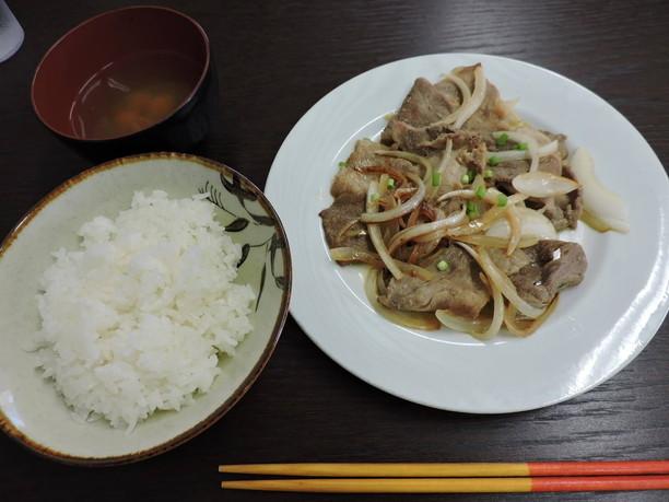 花風の定番メニューともいえる生姜焼き定食