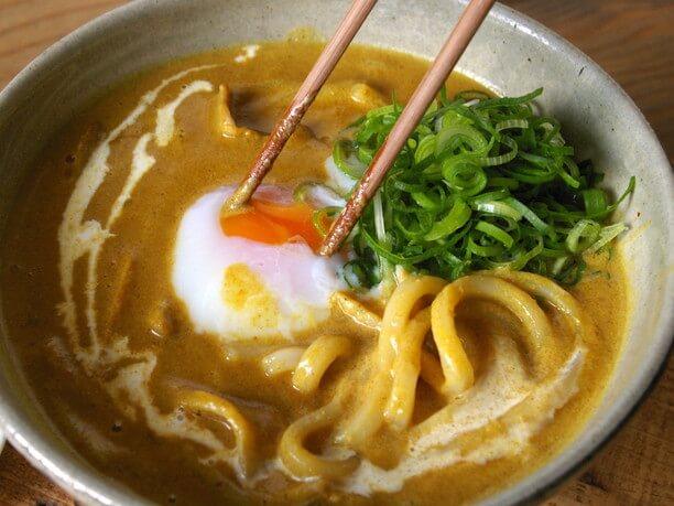 京都と沖縄の食文化を融合させた看板メニュー