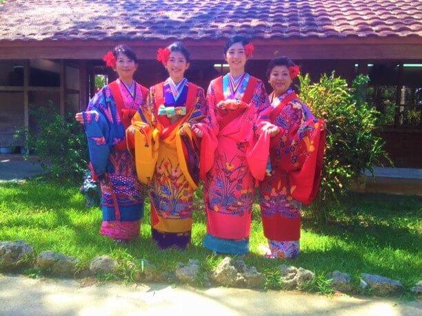沖縄の民族衣装「琉装(りゅうそう)」体験