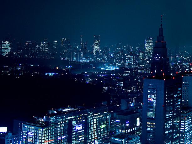 光あふれる新宿副都心