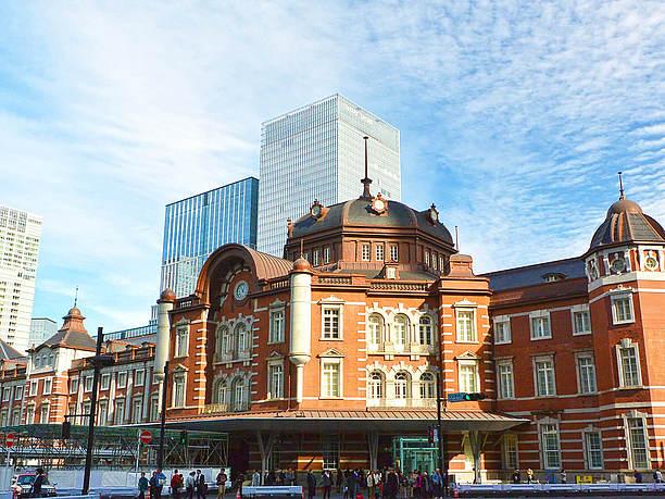 東京駅周辺の街並み画像