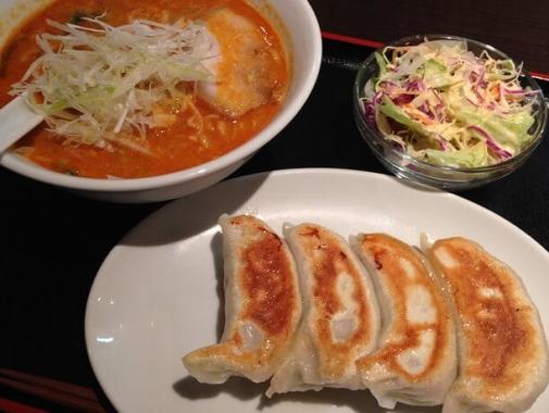 アジアン食堂の料理
