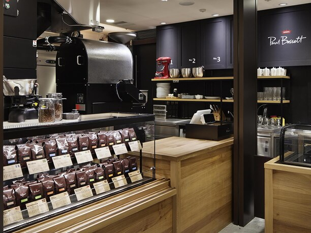フレッシュな豆を店内で自家焙煎しているおいしいコーヒー豆