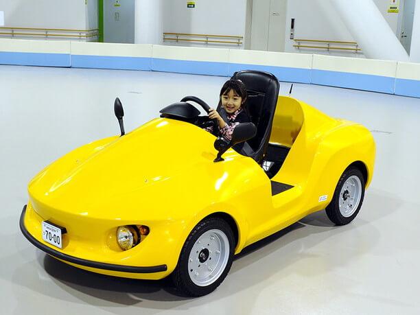 カラフルな車