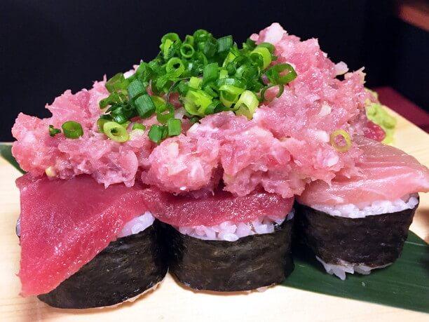 ぶっかけマグロ寿司