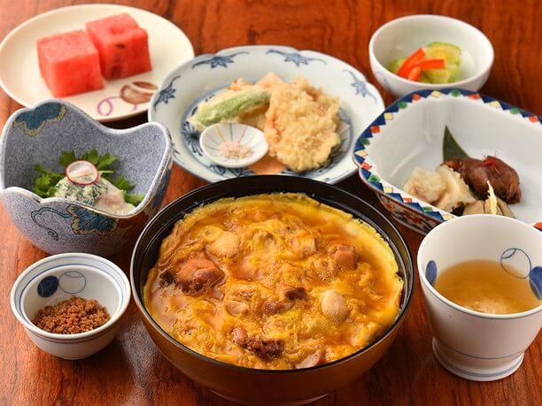 「鳥料理[軍鶏]~華(膳)~」